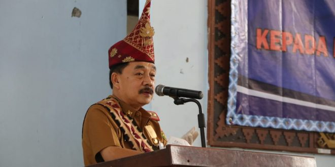 Gubenur Lampung Hantarkan Pjs Bupati Pesisir Barat
