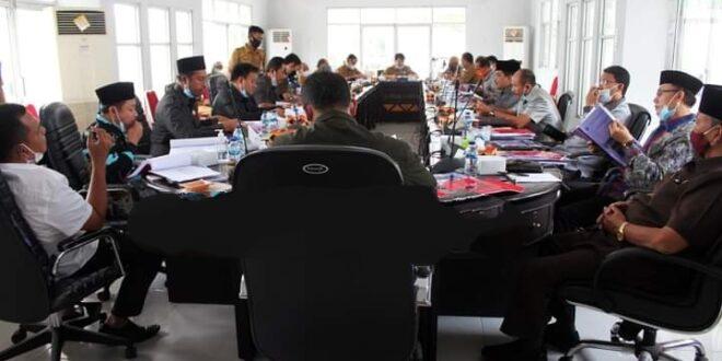 Tim Bapemperda DPRD-LS Gelar Rapat Bahas Dua Raperda Bersama Pemkab Lamsel
