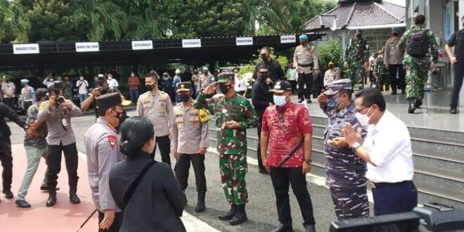 Bupati Lamsel Dampingi Kunjungan Puan Maharani Di Pelabuhan ASDP Bakauheni