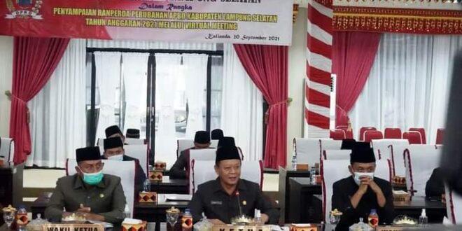 DPRD Lamsel Gelar Rapat Paripurna, Bupati Lamsel Raperda Perubahan APBD Tahun Anggaran 2021