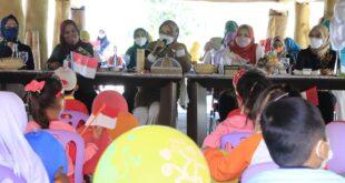 Bunda PAUD Provinsi Lampung Bermain bersama anak – anak PAUD di Kabupaten Tulangbawang Barat